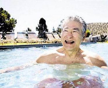 老人泡温泉的好处有哪些?