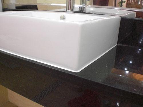 卫生间万万不要用玻璃胶了,这种材料防水又耐用,后悔没早知道