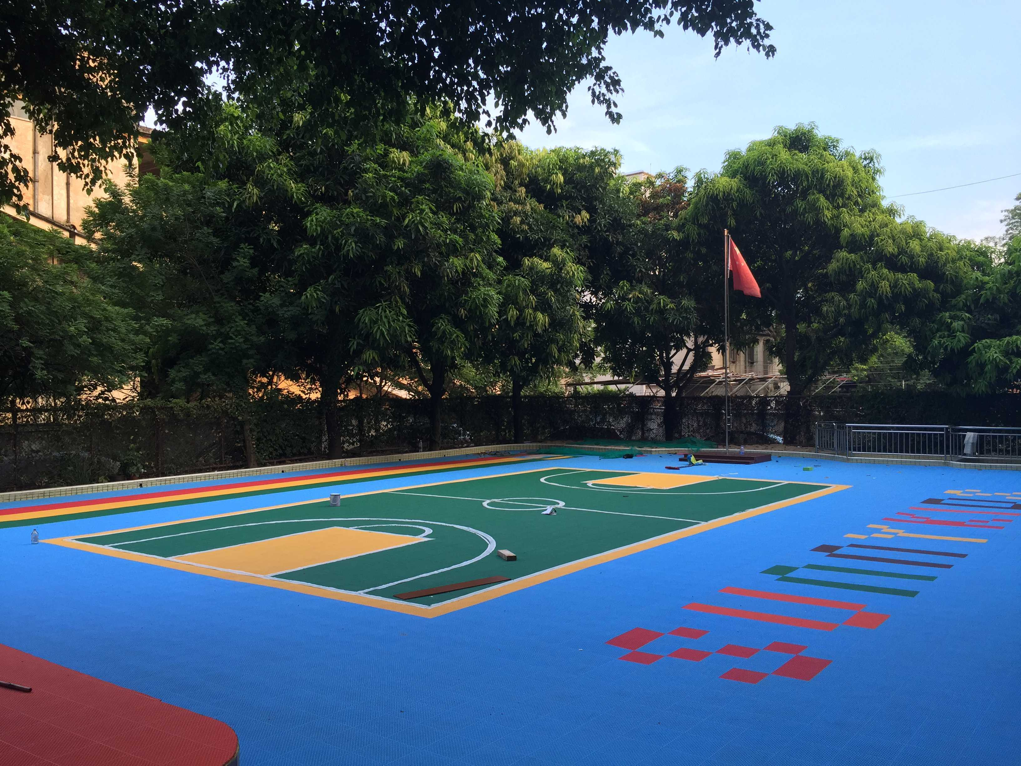 为什么幼儿园都在用悬浮式拼装地板?