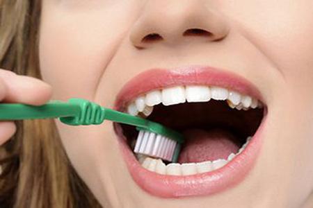 了解种植牙五大误区,拥护种植牙成长!