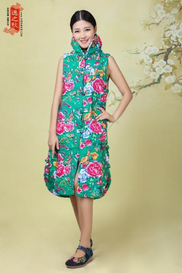 新年难选服装?还是中国风套装更能穿出中国女人的温婉美