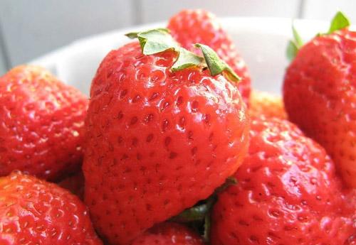 一个草莓等于多种保健品