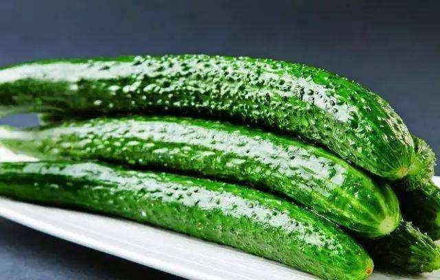 """醃黃瓜怎樣才能又脆又綠?掌握這個""""技巧"""",黃瓜爽口下飯"""