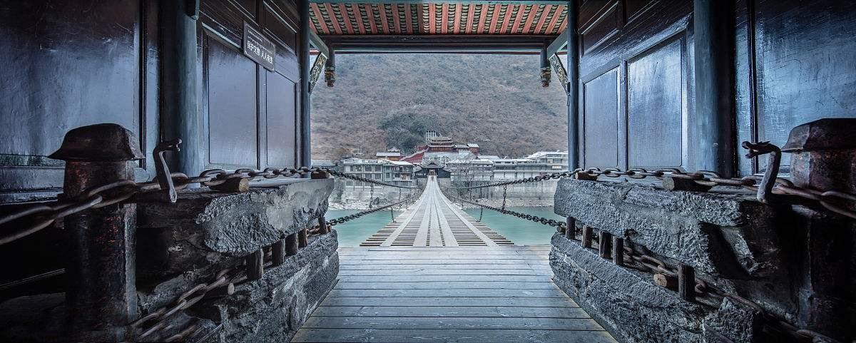 泸定桥.jpg