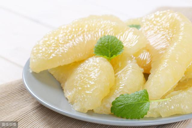 白柚、红柚、三红柚和黄柚,四种柚子有什么区别,哪个更好吃?