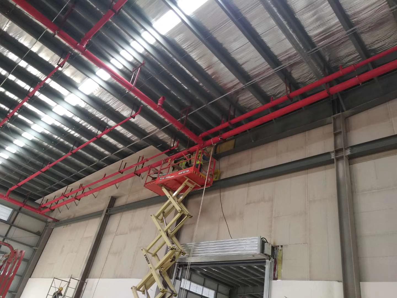 關于輕質防火墻方管加固間距與消防主管生根固定交叉部位部分案例