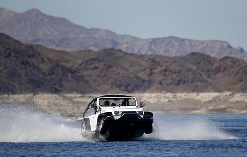 汽车落水该如何自救?汽车主动逃生功能,听说过吗?