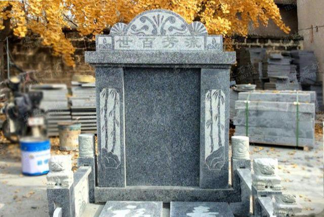 墓碑前的小石狮子应该怎么摆放?