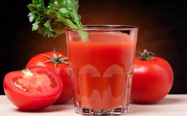 餐桌上常常吃的西红柿 居然另有这些摄生成效