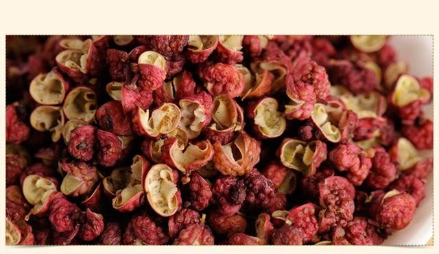 青花椒和红花椒有什么区别?辣椒色选机让做菜更美味