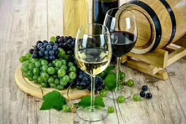 酒精含量如何影响葡萄酒品质?