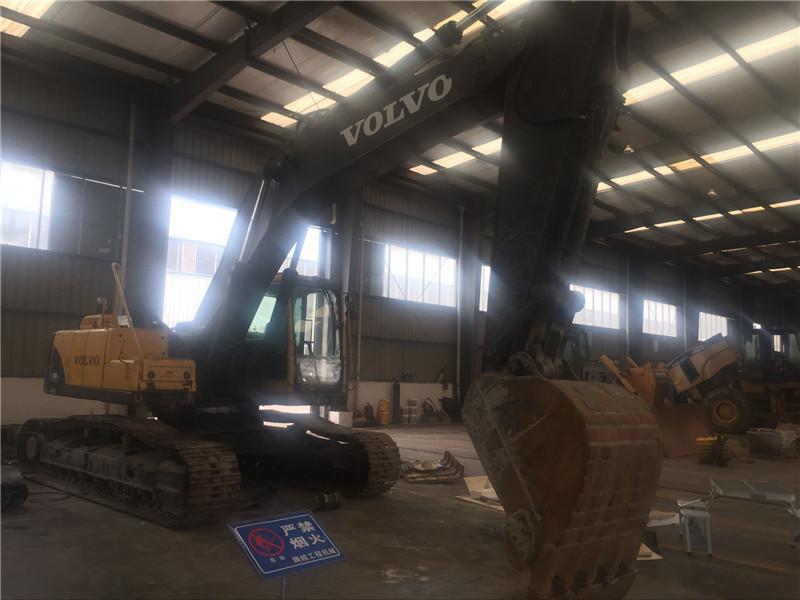 沃尔沃290B挖掘机.jpg