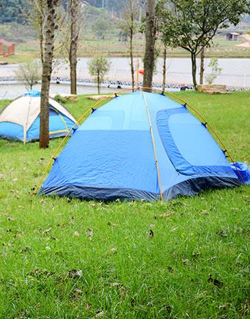 林下及河畔露營