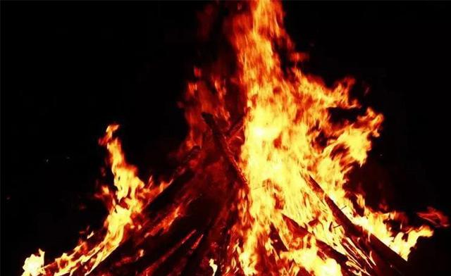 火紅的八月火紅的火把節