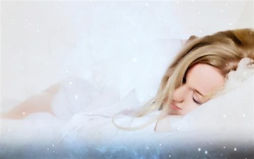 金秋来临 健康睡眠将是最好的保养