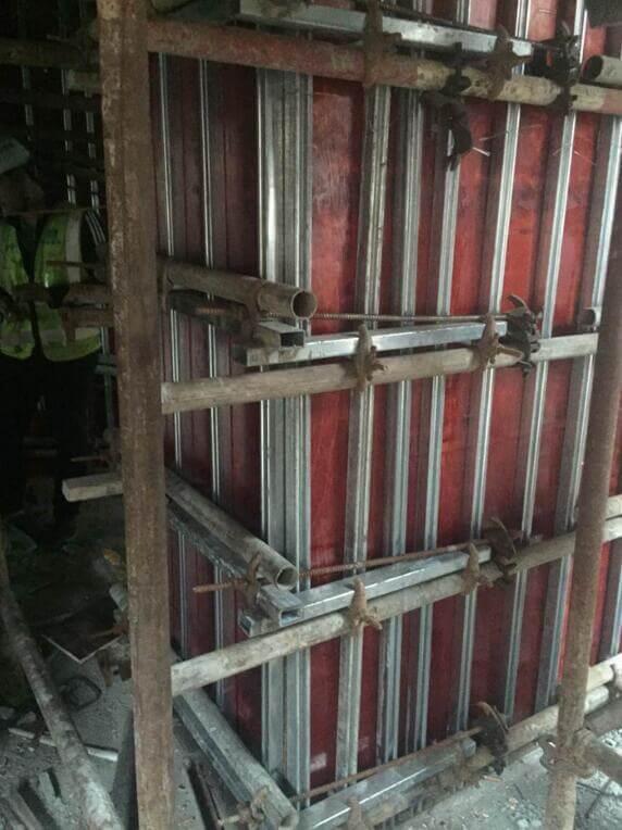 柱子模板支设完成