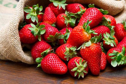 草莓冬季怎么管?保证温度、营养就可以了?不够!这两点同样关键