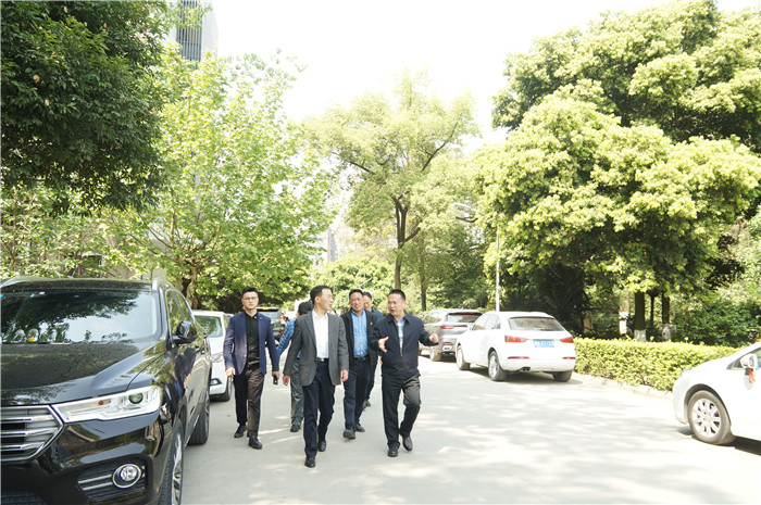 广元市人民政府副市长伍荣华一行莅临新蒲京4473公司考察调研