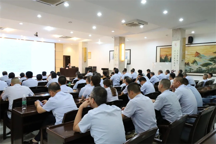 公司舉辦職業衛生專題講座