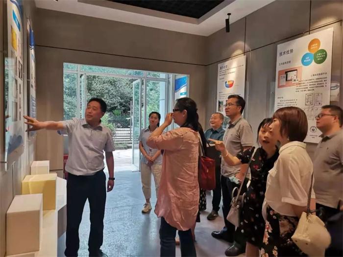 中石油北京總部領導蒞臨玉龍公司調研