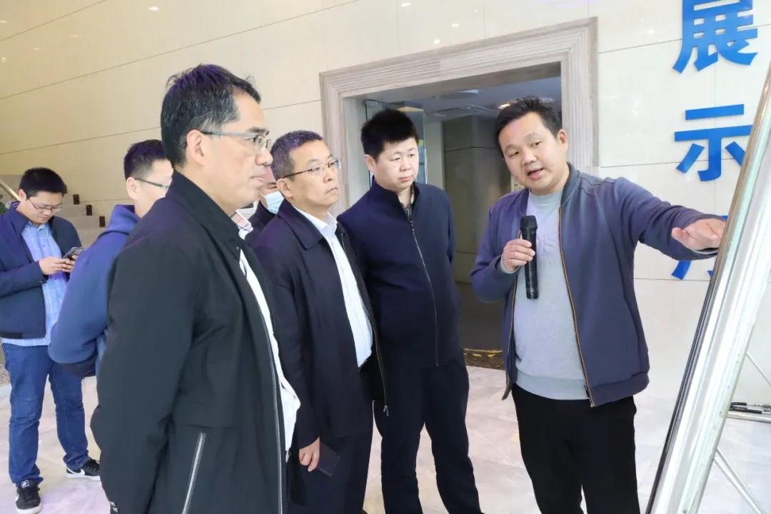 建峰集團領導一行蒞臨玉龍公司考察調研