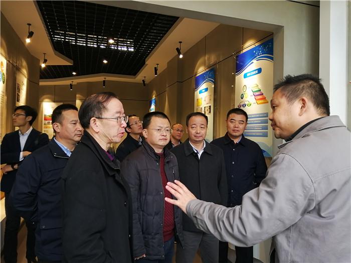 西南科技大学副校长卢忠远、曾刚一行莅临玉龙公司考察
